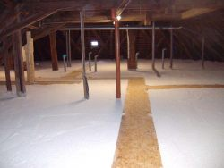 Dachgeschoßdämmung in einer ehemaligen Brauerei mit Perliteschüttung