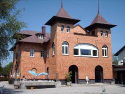 Schindeldach und Fassade