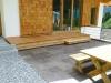Terrassenstufe aus Lärchenholzbohlen